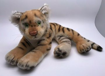 Steiff Tiger (Button, Tag, US label & squeaker)